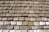 Het einde van de dakspanen van de ceder op Gable uiteinden