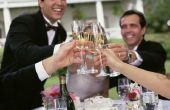 Bruiloft toast van een gast aan de ouders van de bruidegom