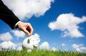 Hoe om geld te besparen en verstandig besteden