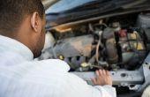Waar ligt de thermostaat van een auto op een 2.7 L motor?
