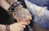 Hoe kiest u een trouwring Tattoo Design