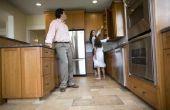 Welke grootte keramische tegels voor gebruik op een verdieping van de kleine keuken