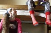Hoe maak je een plank aan de zijkant van een stapelbed