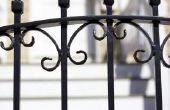 Hoe maak je een ijzeren hek privé