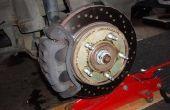 Het wijzigen van de voorste remmen op een Ford F150