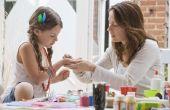 Eenvoudige Crafts for Kids met katoenen ballen of papieren buizen