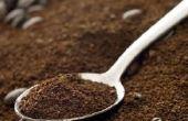 Gemalen koffie voor gezwollen ogen