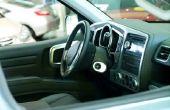 Hoe te repareren van een lederen Dashboard in een auto