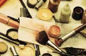 Wat Is een goede manier om make-up off van een witte vacht?
