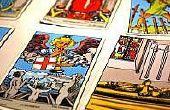 Hoe om te leren lezen van de tarotkaarten gratis