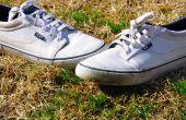 Hoe te verwijderen van gras vlekken van schoenen