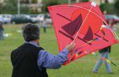 Hoe maak je een Kite uit bouw papier