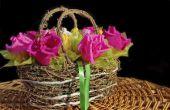 Het maken van patronen voor bloemen van crêpe papier