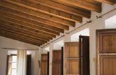 Hoe schoon een vuile houten plafond