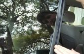 Het lijmen van Trim stukken terug op uw voertuig