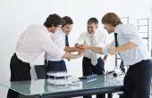 Vergelijking van leiderschap stijlen & hun Impact op de prestaties van het Team