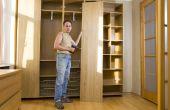Hoe te verwijderen van Bi-fold kast deuren