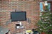 Hoe te monteren van een TV op baksteen