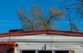 Verschillende maten van hellende daken op de vervaardigde huizen