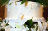 Hoe te te verfraaien een bruidstaart met verse bloemen