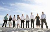 Hoe te kleden voor een informele bruiloft