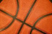 Hoe schoon een lederen basketbal