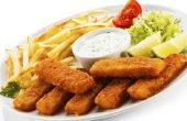 Voedsel te eten met vis-Sticks