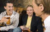 Hoe om te proberen het ontwerpen van een Britse of Ierse Pub-kamer