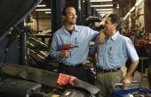 Hoe het schrijven van een zakelijke brief met betrekking tot reparaties op een auto