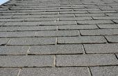 Kosten van dakspanen van de ceder in vergelijking met asfalt Shingles