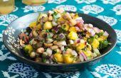 Hoe maak je een pinda en Mango Salade