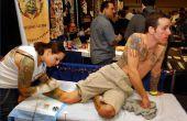 Hoe bij te wonen van Tattoo conventies