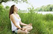 Het uitvoeren van de Breath of Fire Breathwork oefening in Yoga