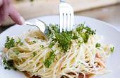 Hoe Spaghetti om Warm te houden zonder te steken