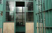 Hoe om erachter te komen wat iemand gevangenis Is in & hoe om hen te contacteren