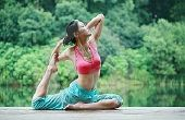 Top Yoga oefeningen voor kniepijn
