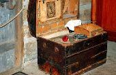Hoe schoon antieke opslag Trunks