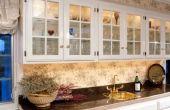 Het gebruik van de keukenkasten voor een natte Bar