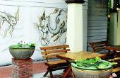 Hoe schoon zwarte schimmel vlekken van een openlucht houten tafel