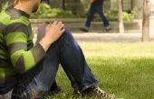 Hoe om te praten met een meisje dat u negeert