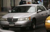 Hoe Vervang de achterste belangrijkste zegel op een Lincoln Town Car