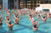 Hoe te oefenen met een Routine van de Aerobics van Water
