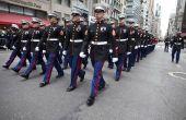 Hoe te dragen een Marine Corps Dress Uniform