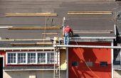 Hoe u een Ladder koppelt aan een dak