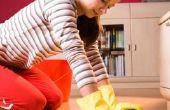 Hoe te de vloeren met de Hand schrobben