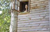 Hoe maak een swingende loopbrug naar een boomhut