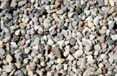 Omgaan met stenen in plaats van gras in een grasveld