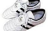 Hoe schoon wit lederen schoenen thuis