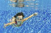 Hoe om te leren een kind zwemmen