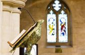 Hoe de bouw van een preekstoel voor een kerk